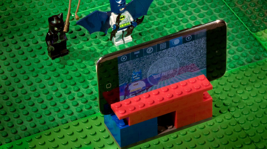 Make a tripod from LEGO pieces and create an awesome LEGO Super Hero Movie